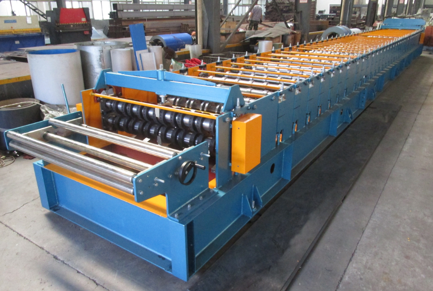 zhongyuan Decking metal rolling machine